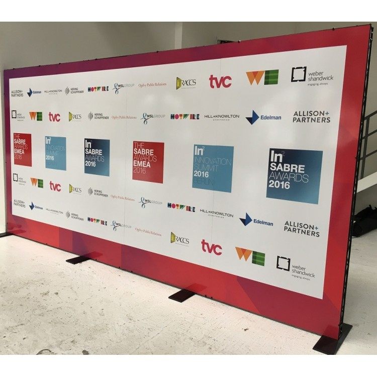 large-format-graphics-step-repeat-board-berlin